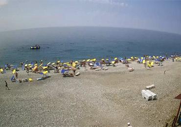 С начала курортного сезона Сочи принял уже 450 тысяч туристов